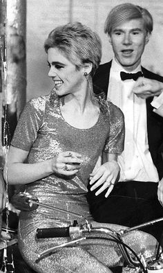 Edith Edie Minturn Sedgwick wearing silver Jumpsuit Outfit Clothing by Paraphernalia Boutique designer Betsey Johnson Heiress Socialite Sixties Andy Warhol Pop Art Film Superstar Actress Vogue Youthquaker Underground Fashion Icon Silver Factory Party 1965 Santa Barbara, Andy Warhol Pop Art, Poor Little Rich Girl, Edie Sedgwick, Hollywood, Street Culture, 1960s Fashion, Timeless Fashion, Cultura Pop
