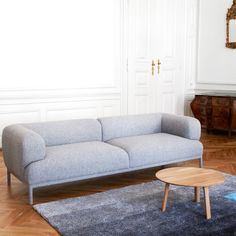 Places google and sofas on pinterest for Sofa zeichnen