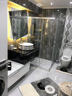 Bu evde klasik ve modern stiller bir arada - Bathroom Ideas Modern Bathroom Decor, Bathroom Sets, Small Bathroom, Modern Decor, Bathroom Lighting, Mirror Bathroom, White Bathroom, Master Bathrooms, Bathroom Storage