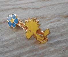 Vintage Woodstock Pin. 1980s Gold Toned. Gift by LittleLinkShop