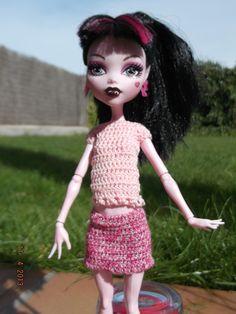 Minifalda y camiseta.  4,5 euros + envio/shipment