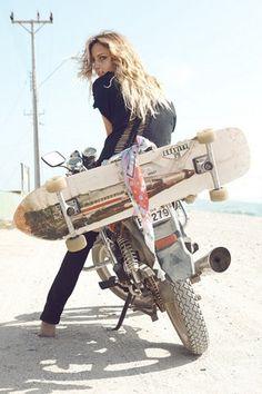 Girl+Moto. | 8negro