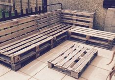 Build your own sofa - 70 ideas and building instructions! - Making Furniture yourself DIY Build Your Own Sofa, Wood Pieces, Pallet Furniture, Backyard, Home Decor, Building Ideas, Baby Room, Sofas, Diys