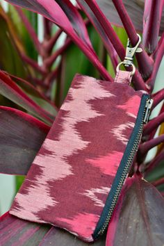 Our Leash bags can be used for treats, poo bags, ID-Cards or keys. They are made out of handwoven Ikat fabric. Ikat Fabric, Dog Bandana, Dog Accessories, Making Out, Keys, Collars, Hand Weaving, Treats, Boho