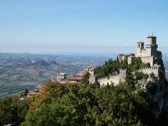 Gita a San Marino, Cosa fare nella repubblica più antica del mondo Dove andare, idee, per una gita di un giorno che ha saputo resistere al potere della chiesa.
