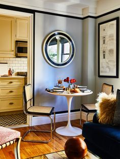 This Greenwich Village Apartment Is Filled With Small-Space Inspiration – Home Decor Apartment Apartment Therapy, Apartment Living, Living Room, London Apartment, Studio Apartment, Apartment Ideas, Kitchen Floor Plans, Kitchen Flooring, Kitchen Cabinets