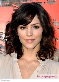 Katharine McPhee wears her shoulder-length bob with glamorous ...