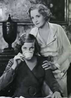 "Katharine Hepburn, her screen debut,""A Bill of Divorcement"" 1932 Pictured here with Billie Burke Golden Age Of Hollywood, Vintage Hollywood, Classic Hollywood, Katharine Hepburn, Classic Actresses, Actors & Actresses, Glenda The Good Witch, Lyle Mays, Billie Burke"