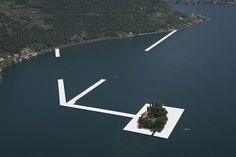 floating-piers-christo-jeanne-claude-italy-vinegret (1)