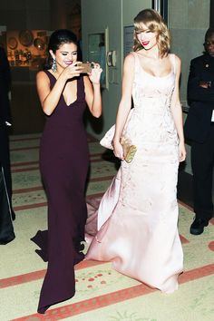 Selena Gomez and Taylor Swift Taylena