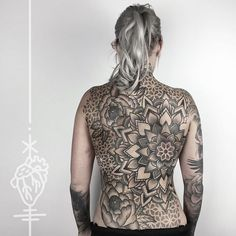 We finished Netti's backpiece, today! It's my first actual backpiece and I'm really glad I got to meet her when I had my first guestspot in Magdeburg around 2 years ago! That's not the end of our journey but now it feels even more real than ever before! Butt, legs and sides next! Thank you so much! #pattern #mandala #backpiece #peony #tattoo #herzdame #dotwork #blackwork #blackworkers #taetowierungen #tilldthtattoo #tilldth #erntezeit #berlin