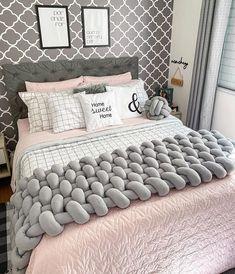 Bedroom Closet Design, Bedroom Inspo, Bedroom Decor, Teen Girl Rooms, Girls Bedroom, Study Room Decor, Home Design Decor, Home Decor, Fashion Room