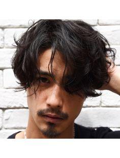 Barber Man, Mens Perm, Androgynous Hair, Estilo Rock, Hair Reference, Boy Hairstyles, Haircuts For Men, Wavy Hair, Hair Looks