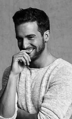Pablo Alboran, Spanish musician, singer, and songwriter. Portrait Photography Men, Photography Poses For Men, John Snow, Spanish Men, Great Smiles, Male Poses, Moustaches, Black N White Images, Photo Poses