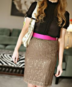 love the neon belt with neutral colors!