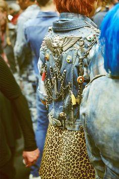 Image of Backstage at Diesel Fall 2014 Denim Fashion, Look Fashion, Fashion Show, Custom Clothes, Diy Clothes, Punk Jackets, Denim Jackets, Diesel Fashion, Battle Jacket