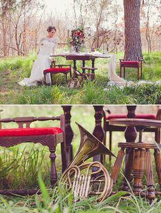 INSPIRACION MUSICAL  Se trata de un shooting de inspiración musical para una boda de otoño donde abundan los instrumentos musicales y el ambiente clásico-bohemio.  Sigue leyendo en http://www.unabodaoriginal.es/blog/donde-como-y-cuando/decoracion/inspiracion-musical