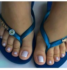 submissions of female feet, armpits and tits always accepted! Nice Toes, Pretty Toes, Sexy Nails, Sexy Toes, Feet Soles, Women's Feet, Pies Sexy, White Toenails, Flipflops