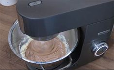 Succès praliné ~ à tomber ! : Il était une fois la pâtisserie Dacquoise, Kitchen Aid Mixer, Drip Coffee Maker, Biscuits, Cheesecake, Suzanne, Food And Drink, Ramadan, Cooking