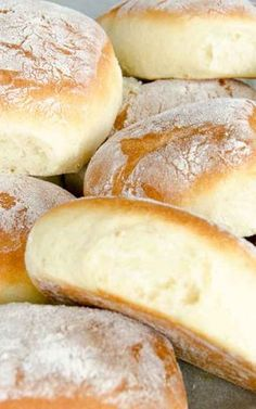 Jedne z najpyszniejszych bułeczek jakie jadłam, koniecznie spróbujcie! Healthy Bread Recipes, Baking Recipes, Dessert Recipes, Pizza Recipes, Homemade Dinner Rolls, Love Food, Sweet Recipes, Food And Drink, Yummy Food