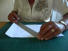 Diy Cards, Plastic Cutting Board, Youtube, Paper, Crafts, Om, Paper Board, Manualidades, Homemade Cards