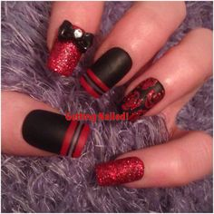 Hand painted black and red full false nails with red glitter roses and... (88 CNY) ❤ liked on Polyvore featuring beauty products, nail care, nail treatments and nails