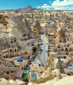 Goreme, Cappadocia - Turkey ✨❤️❤️❤️✨ Picture by ✨✨ check it out for awesome photo and video editing! for a feature ❤️ Turkey Vacation, Turkey Travel, Beautiful Places To Visit, Wonderful Places, Amazing Places, Places To Travel, Places To See, Japon Illustration, Capadocia