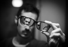 Insane idea but insanely effective Mirrored image through glasses