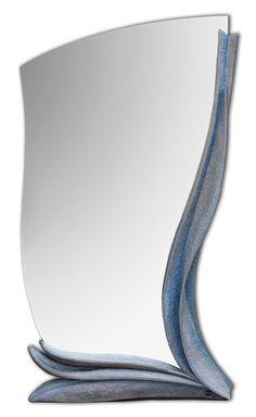 Zrcadlo Venezia 2012, š: 50 x v: 120 cm, dřevo lipové, voskované. Možnost vyrobit variantu v podobných tvarech a jiných barvách.