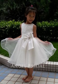 Cute flower girl dress $89