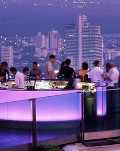 The Dome at State Tower hosts restaurants and bars, including the SkyBar on the 63rd floor. #JSTakeMeThere
