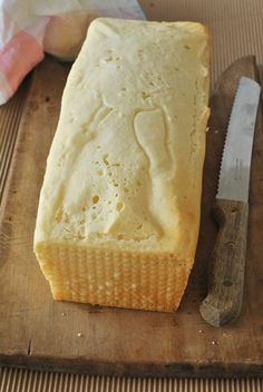 An easy gluten free recipe for a sandwich loaf: ideal to have always ready gluten free bread sliced to make yummy sandwiches Pizza Sin Gluten, Pan Sin Gluten, Gf Recipes, Gluten Free Recipes, Sem Lactose, Happy Foods, Biscotti, Natural, Food And Drink