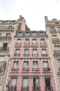 Paris Chic, Paris Buildings, Paris Balcony, Building Aesthetic, Cute Apartment, French Lifestyle, Little Paris, Interior Minimalista, Paris Photography