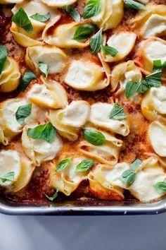 Muschelnudeln mit Zitronenricotta und Tomatensauce