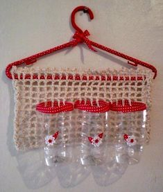 Reuse Plastic Bottles Plastic Bottle Crafts Easy Crochet Crochet Crafts Crochet Ideas Animal Decor Trash To Treasure Recycled Art RepurposedPicture only-plastic canvas with fabric edge on a hanger Reuse Plastic Bottles, Plastic Bottle Crafts, Crochet Crafts, Sewing Crafts, Sewing Projects, Diy Home Crafts, Creative Crafts, Diy Para A Casa, Animal Decor