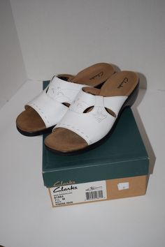 133a36a15a3f WOMENS CLARK WHITE LEATHER SLIP ON OPEN TOE WEDGE SANDALS SHOES SZ 7.5   fashion