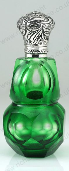 ANTIQUE c.1900 GREEN OVERLAY CRYSTAL SCENT PERFUME BOTTLE, 935 SILVER TOP. Price: £335.00. For more information about this item click here: http://www.richardhoppe.co.uk/item.php?id=2925 or email us here: rhshopinformation@gmail.com