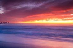 Pôr do sol, nevoeiro, céu, mar, rochas, horizonte Vetor - ForWallpaper.com