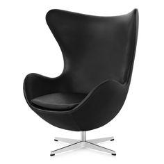 Fåtöljen Ägget formgavs av Arne Jacobsen för Royal Hotel Köpenhamn år 1958.