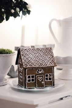 will I ever make a gingerbread house? maybe I should pin this to my 'imaginary life' board instead