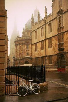Оксфорд. Туман.
