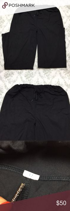 Lululemon pants black sz 12 baggy drawstring Pre loved good condition. Loose pants with drawstring.inseam29.5 in lululemon athletica Pants