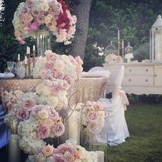 great vancouver florist TBT #justynaevents #vancouverweddings #wedding #weddings #weddingflowers #centerpieces #receptionflowers #lushfloral #luxuryfloral #elegant #elegantfloral #champagnefloral #blushfloral #blushlinen #glitzlinen #sparklylinen #springfloral #spring #bride #grooms #brides #engaged #cascadingflowers #headtableflowers #romantic by @justynaevents  #vancouverengagement #vancouverflorist #vancouverwedding #vancouverflorist #vancouverwedding #vancouverweddingdosanddonts