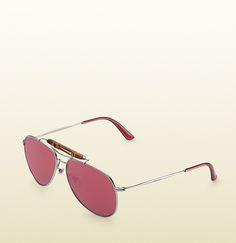 aviator sunglasses with bamboo detail