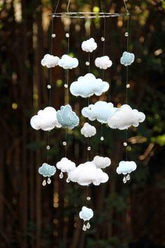 Móbile de nuvens de feltro e cristais Swarovski / Blue and White Felt Cloud Mobile with Swarovski by byAllySen, Cloud Mobile, Felt Mobile, Baby Mobile, Baby Crafts, Felt Crafts, Diy And Crafts, Felt Diy, Nursery Inspiration, Baby Sewing