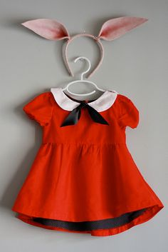 I could make just the collar to go over a red dress. That'd be a cute Olivia costume, and the dress itself could be worn again without the collar.