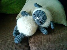 Free Sheep Ami pattern! Just the cutest, thanks so much for sharing xox Bleet Bleet