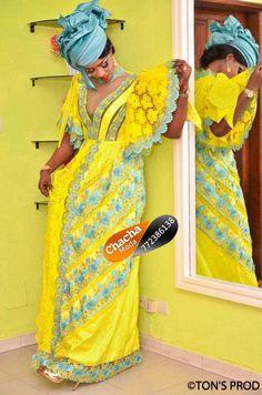 Tendances Korité 2019 : Les nouvelles tenues au top African Print Fashion, African Fashion Dresses, African Wear, African Dress, Elie Saab, African Traditional Dresses, Striped Shirt Dress, Summer Dresses, Clothes