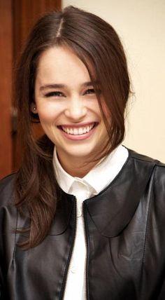 Emilia Clarke. I swear she's flawless. Can I be her?