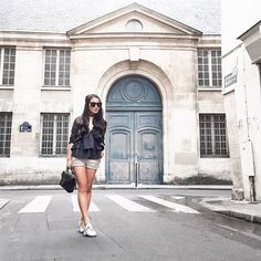 {ruffles & sneakers} casual stroll in Paris 👟